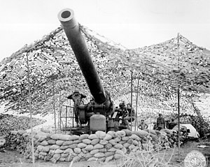 240 mm howitzer M1 - Front view of a 240 mm howitzer firing into German held territory. Mignano area, Italy. January 30, 1944