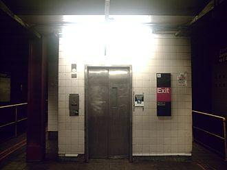 34th Street–Herald Square (New York City Subway) - Elevator from northbound platform