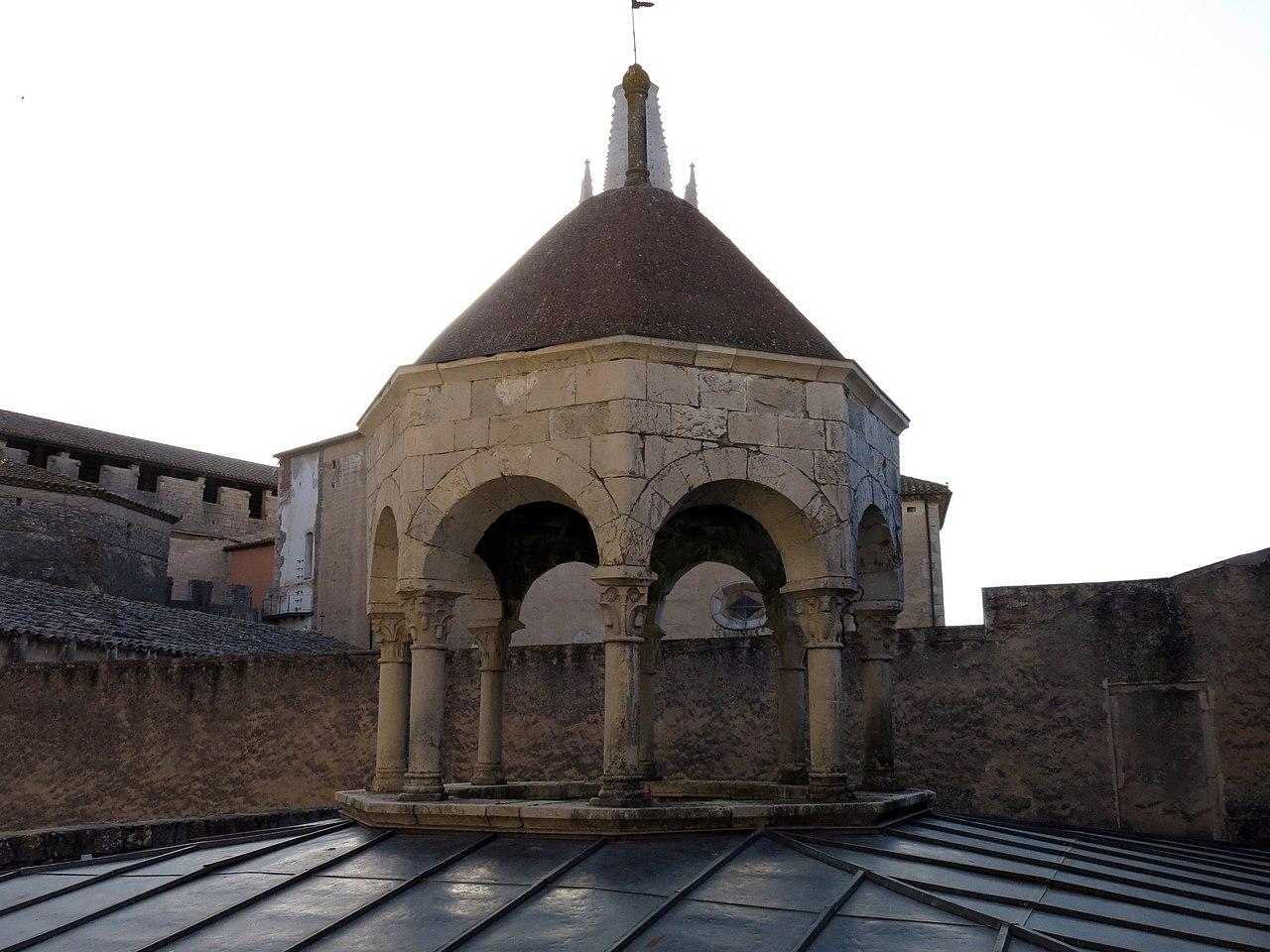 File 405 banys rabs de girona c pula del templet de la - Piscina devesa girona ...