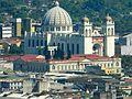 A lo lejos vi la Catedral Mtropolitana.jpg