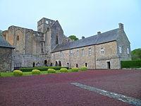 Abbaye de Hambye, Pierres en Lumières 2012 - Logis abbatial.JPG