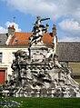 Abbeville monument Amiral Courbet 2.jpg