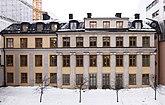 Fil:Adelkrantzka.V fasaden.jpg