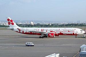 Airbus A330 AirAsia X 9M-XXA Taipei November 2011.jpg