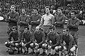 Ajax tegen Go Ahead 4-0, elftal Ajax. Staand vlnr. Pronk, , Suurbier, Bals, Va, Bestanddeelnr 918-2277.jpg