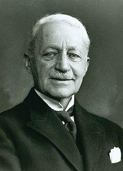 Alfred Schmidt 1858-1938.jpg