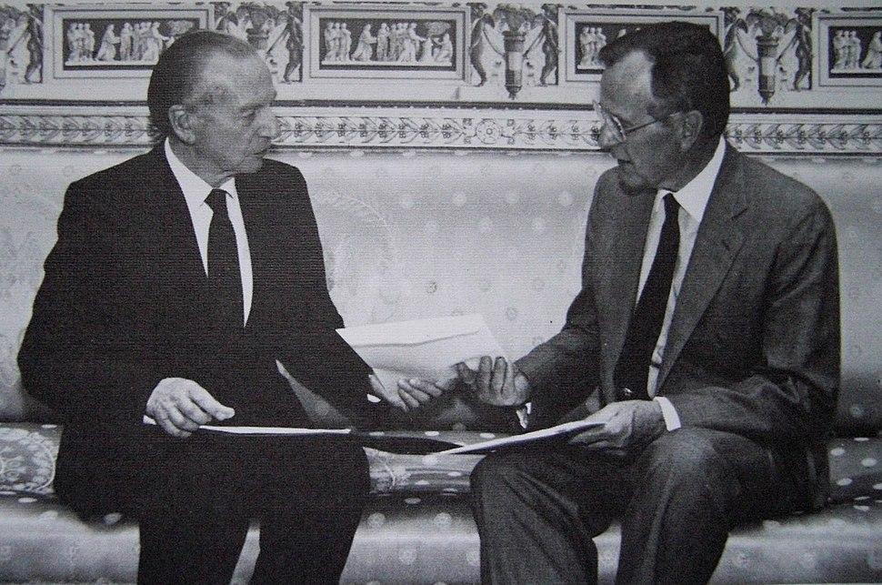 AmbassadorSchwarz,Bush