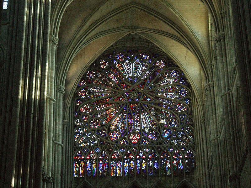 http://upload.wikimedia.org/wikipedia/commons/thumb/0/00/Amiens_cathedral_017.JPG/800px-Amiens_cathedral_017.JPG