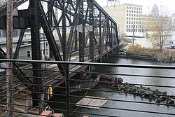 Amtrak Hiawatha (4116900969).jpg
