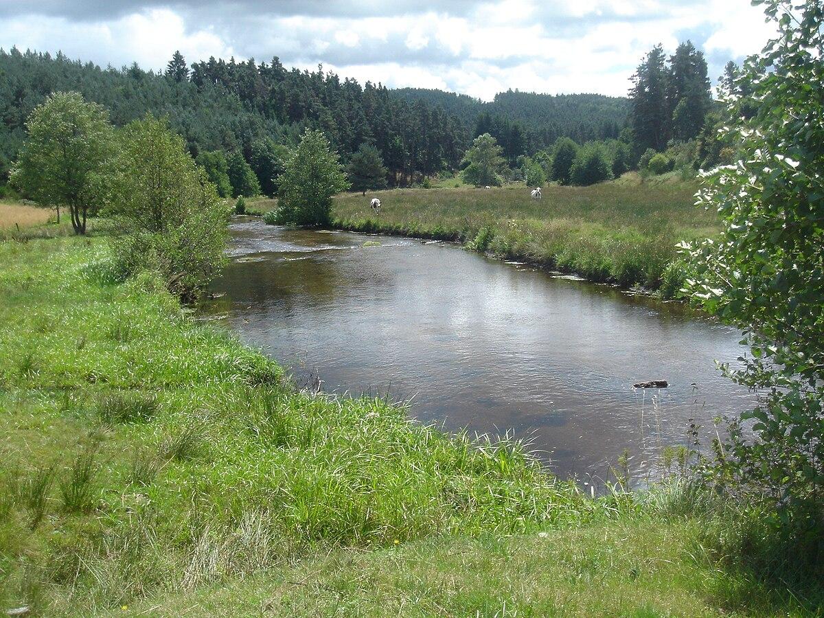 La rivière tosna la pêche