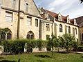 Asnières-sur-Oise (95), abbaye de Royaumont, bâtiment des convers, pignon sud, et bâtiment des cuisines 2.JPG