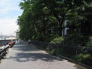 Brooklyn Heights - The Brooklyn Heights Promenade