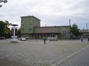 Augsburg-Oberhausen station - Entrance building and station forecourt