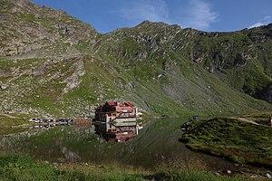 Bâlea Lake - Image: Balea lake and chalet
