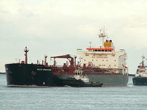 Baltic Ambassador pic2, Port of Rotterdam, Holland 19-Nov-2005.jpg
