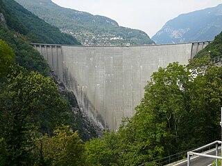 Contra Dam dam in Ticino, Switzerland