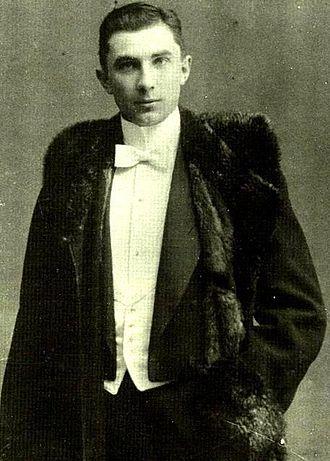 Bela Lugosi - Lugosi at age 18