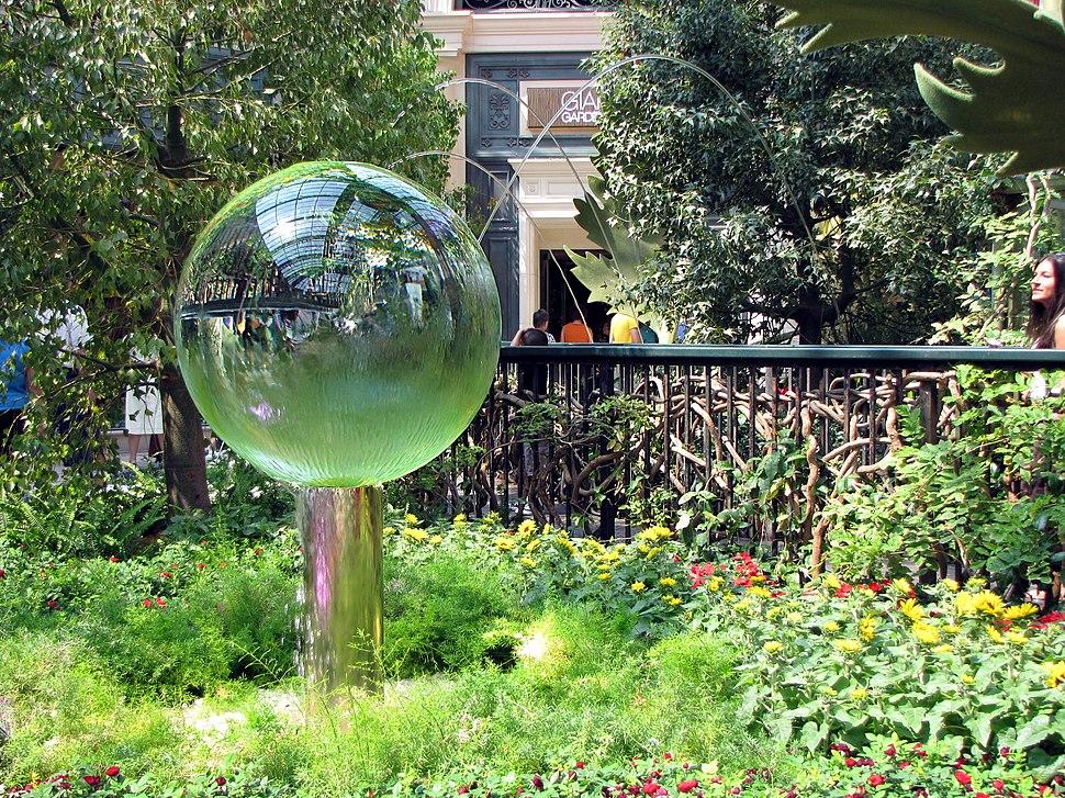 Bellagio garden crystal ball