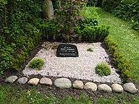 Benny Andersen grave.jpg