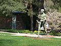 Berlin Botanischer Garten Skulptur.jpg