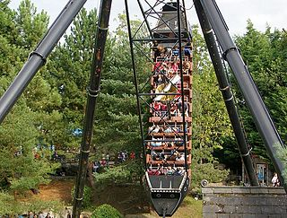 Pirate ship (ride) amusement ride