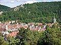 Blaubeuren mit Kloster Blaubeuren und Blaufels - panoramio.jpg