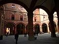 Bologna, Palazzo d'Accursio, corte - panoramio (1).jpg