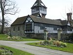 File:Brenchley Gardens with Maidstone Museum 0122.JPG