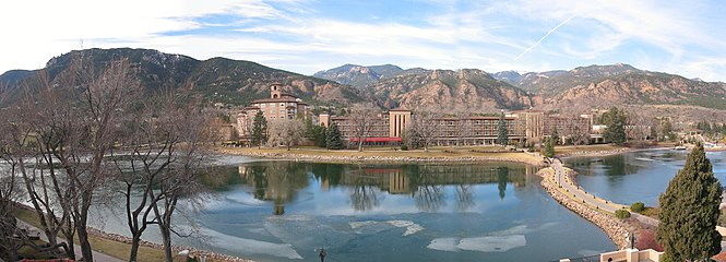 Cheyenne Mountain - Wikipedia on