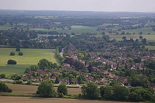 """Brockham viewed from the <a href=""""http://search.lycos.com/web/?_z=0&q=%22North%20Downs%20Way%22"""">North Downs Way</a>"""