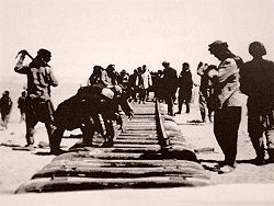 Buiding the Hejaz Railway.jpg