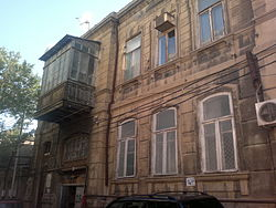 Building on Zargarpalan Street 71.jpg