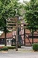 Buldern, Wegweiser auf dem Dorfplatz -- 2013 -- 00397.jpg