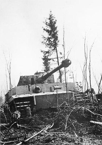 """File:Bundesarchiv Bild 146-1981-071-07A, Russland, Panzer VI """"Tiger I"""".jpg"""