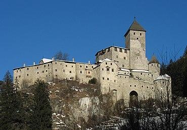 Burg Taufers01archeditcrop 2011-01-03.jpg