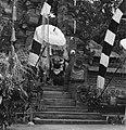 COLLECTIE TROPENMUSEUM Scene uit een Barong- en Krisdans in het voorhof van de dorpstempel TMnr 20000304.jpg