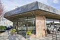 Cafe Crema, West Vancouver (40166655092).jpg
