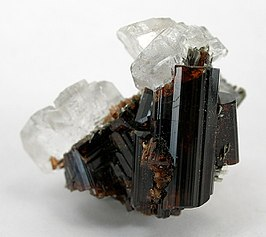 Calcite-Vesuvianite-d06-73a.jpg