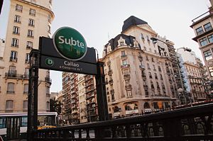Line D (Buenos Aires Underground) - Entrance to Callao station.