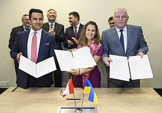 Chrystia Freeland - Freeland in Copenhagen with Volodymyr Groysman and Roman Waschuk in June 2018.