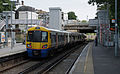 Canonbury railway station MMB 06 378136.jpg