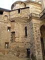 Château de Vincennes - Chemise du donjon escalier retirer.JPG