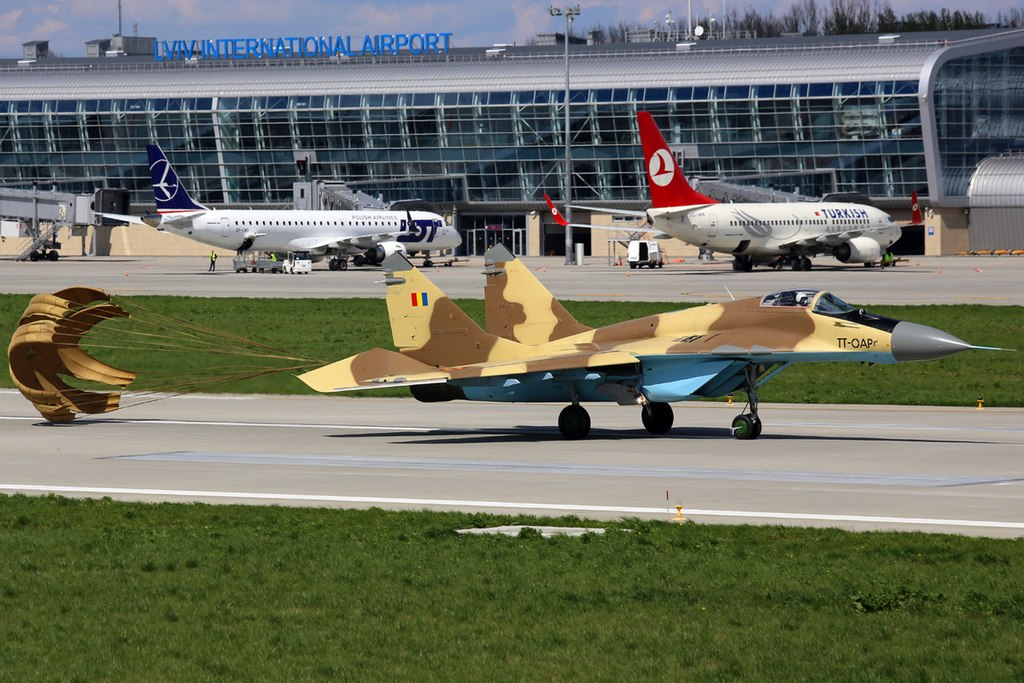 https://upload.wikimedia.org/wikipedia/commons/thumb/0/00/Chadian_Air_Force_Mikoyan-Gurevich_MiG-29_%289-13%29_at_Lviv_International_Airport.jpeg/1024px-Chadian_Air_Force_Mikoyan-Gurevich_MiG-29_%289-13%29_at_Lviv_International_Airport.jpeg