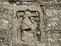Chapelle Saint-Nicolas de Kerhir, détail du bas-relief de Saint-Nicolas.JPG
