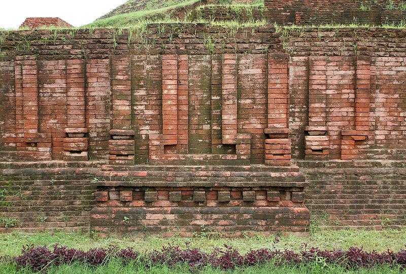 File:Chaukhandi Stupa-4.jpg
