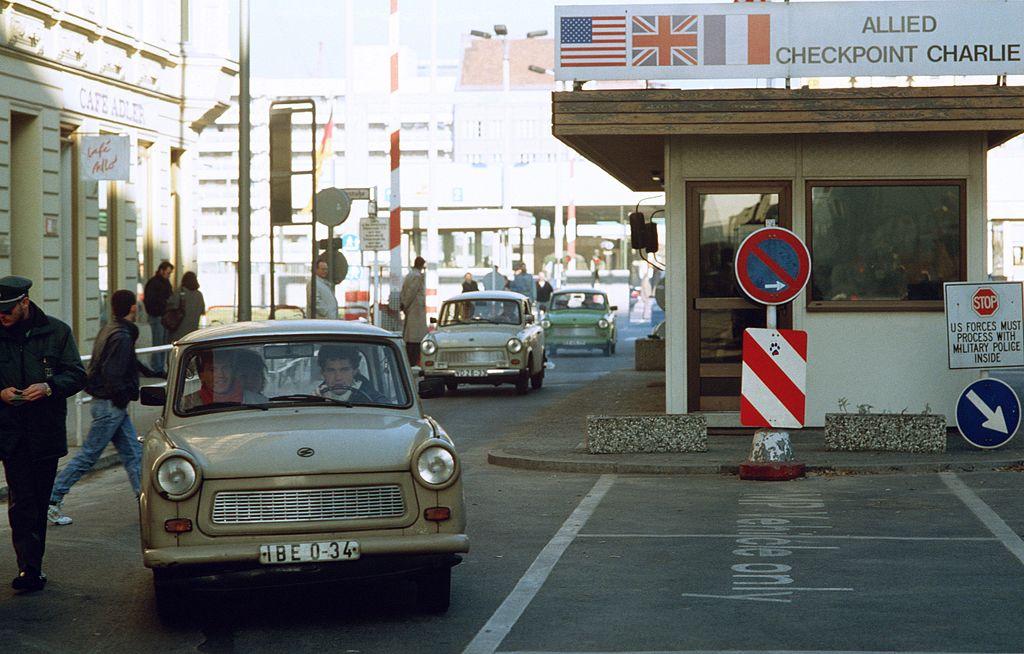 1024px-CheckpointCharlie1989.jpg