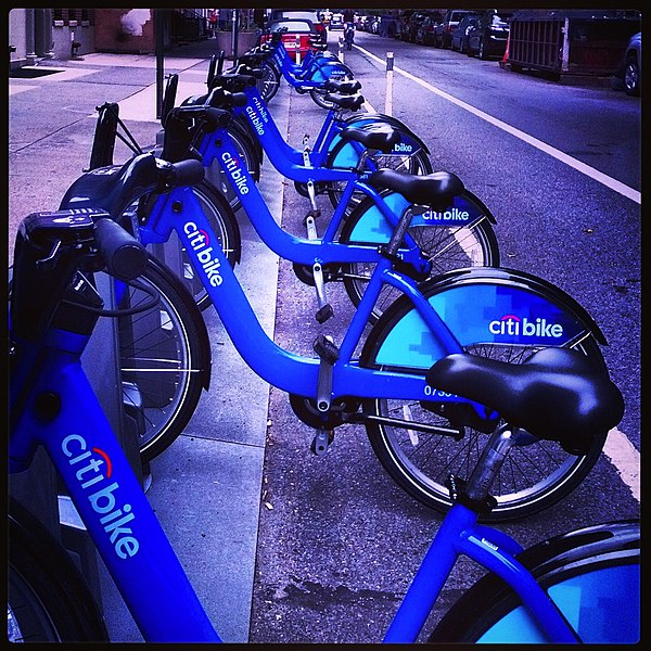 File:Citi bikes, 2013-09-02.jpg
