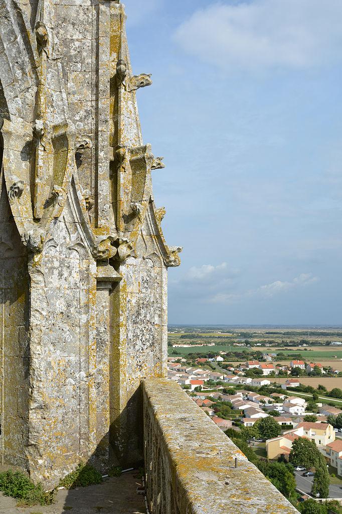 Narbonne Version 3 1: File:Clocher-de-l'église-de-Marennes-DSC 4838.jpg