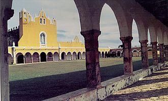 Izamal - Image: Conventode Izamal Yucatan