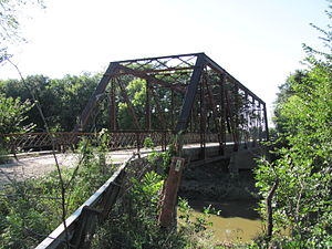 Cottonwood River (Kansas) - Image: Cottonwood River Pratt Truss Bridge